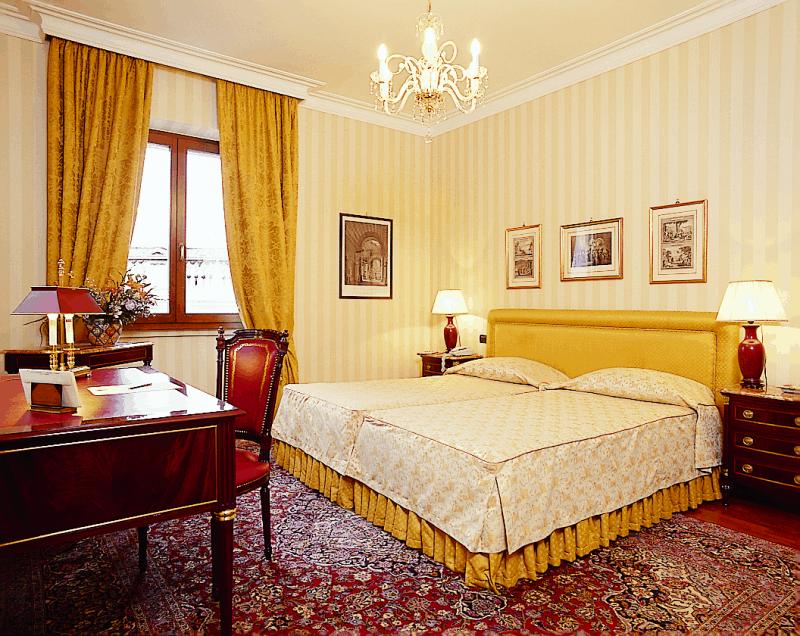 rom hotelsonderangebot wohnen an der pforte des himmels courtial reisen. Black Bedroom Furniture Sets. Home Design Ideas