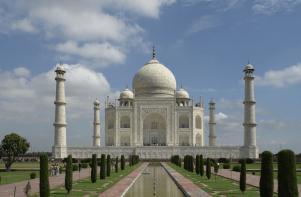 Indien_Taj_Mahal,_Agra,_Copy right holder Yann
