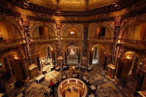 640px-Kunsthistorisches_Museum_Interior