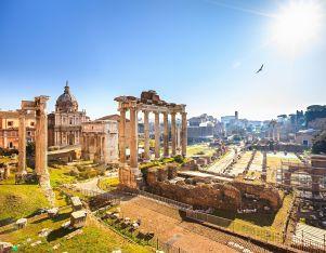Rom_Forum Romanum_shutterstock_129269882