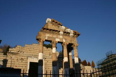 4103_-_Brescia_-_Tempio_capitolino_-_Foto_Giovanni_Dall'Orto,_31-Dec-2007_klein