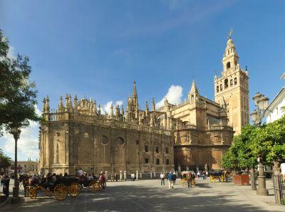 Sevilla_Cathedral_-_Southeast_Ingo Mehling_klein