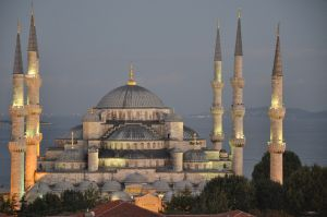 Sultan Ahmed Mosque Blue Mosque at dusk_Istanbul